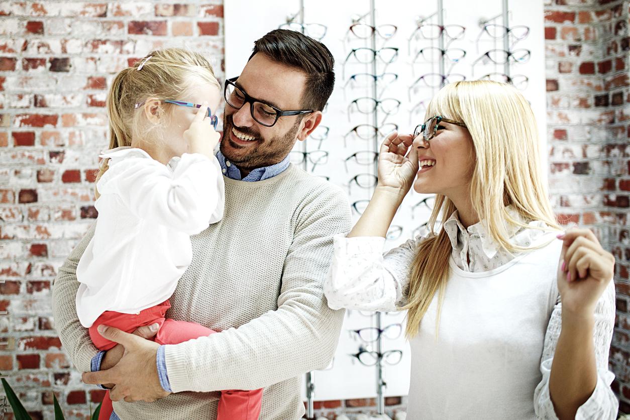a8293418bc Souscrire une mutuelle optique est important, surtout quand vous êtes  plusieurs à porter des lunettes dans la famille !