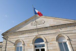 mairie drapeau france