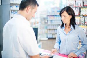 Vous passez trop souvent à la caisse ? Votre mutuelle vous rembourse les médicaments non-prescrits!