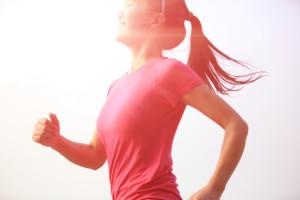 Courir au soleil, c'est bon pour le moral et pour la santé.
