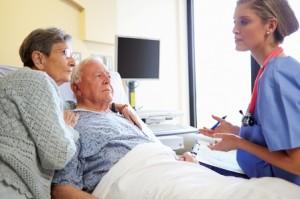Personnes âgées à l'hôpital.