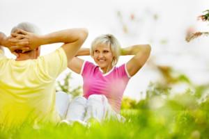 """Selon l'Organisation Mondiale de la Santé, """" une personne de plus de 65 ans devrait pratiquer au moins, au cours de la semaine, 150 minutes d'activité d'endurance d'intensité modérée ou 75 minutes d'endurance d'intensité soutenue """"."""