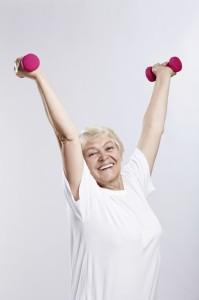 Pratiquer 15 minutes d'une activité physique au quotidien a des effets positifs sur la santé et l'espérance de vie des plus de 65 ans. Plus l'exercice dure, plus l'espérance de vie est rallongée.
