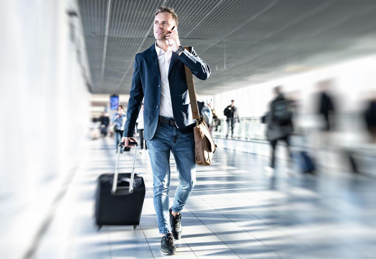 déplacement-professionnel-valise-aéroport